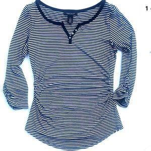 White House black market t shirt stripe black